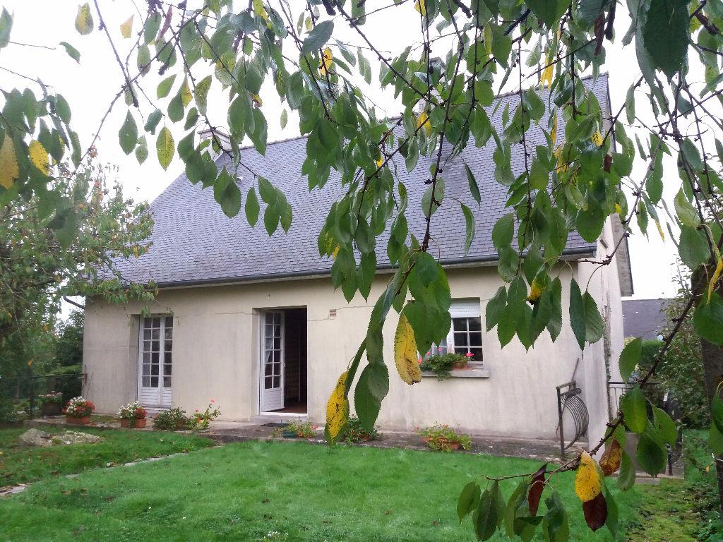 Proche quartier Pré clos Vitre Maison 3 pièce(s) 87 m2