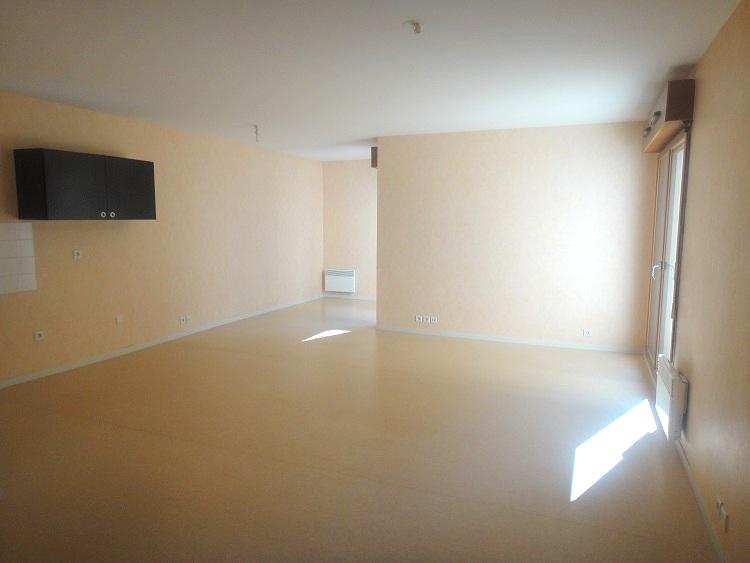 Appartement T3 terrasse - Argentre-du-Plessis - 71m²