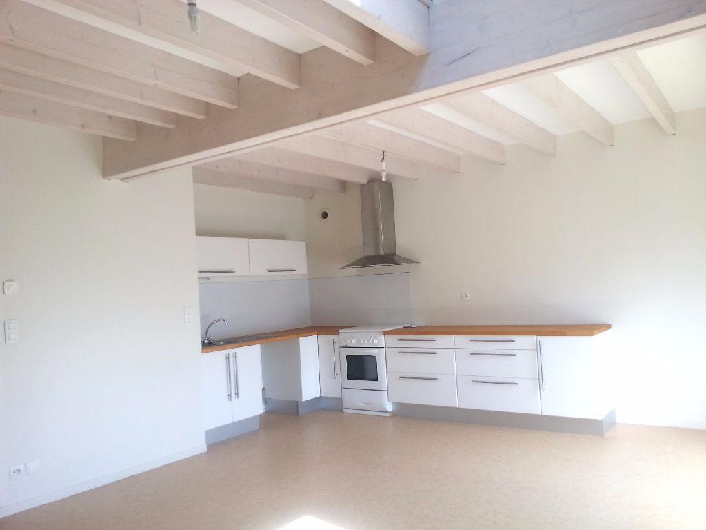 ETRELLES - Appartement duplex - 80m²