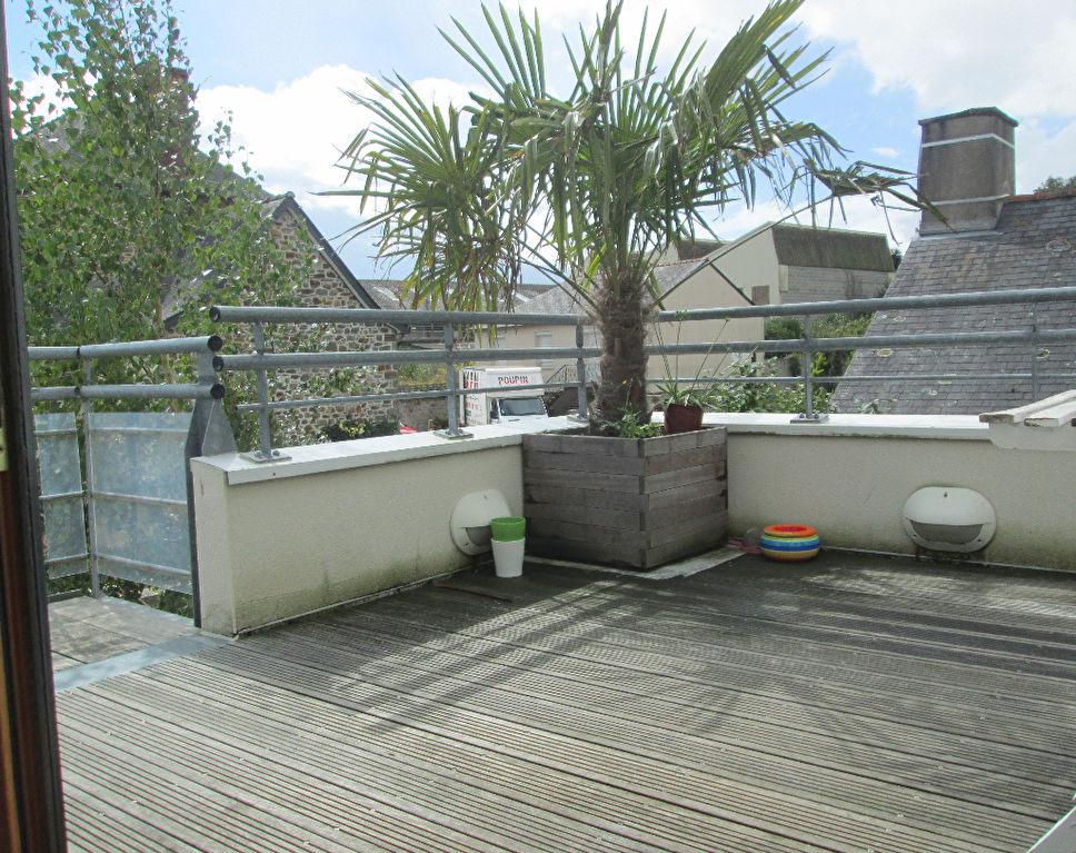 ETRELLES - Appartement duplex avec terrasse 72m²